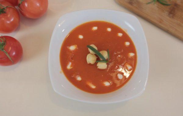 Kuchnia z klimatem: Zupa z pieczonej papryki