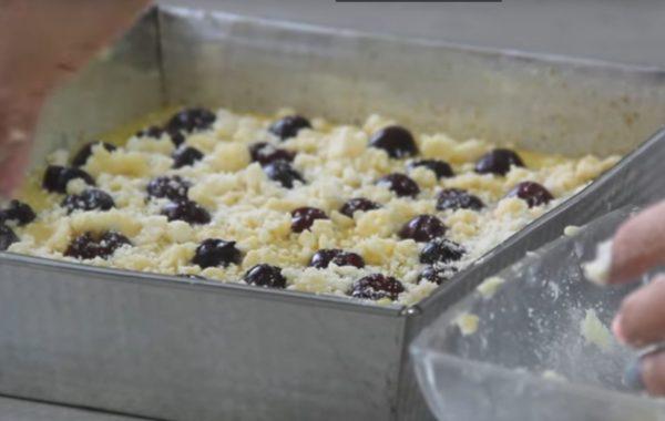 Kuchnia z klimatem: Ciasto jogurtowe z wiśniami