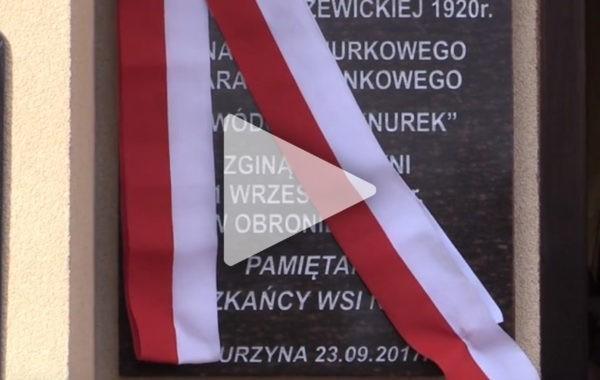 Odsłonięcie tablicy upamiętniającej chorążego marynarki Wincentego Tomasiewicza